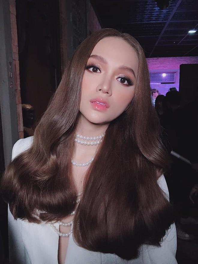 """Hương Giang lần đầu để tóc xoăn """"ajuma"""", người khen xinh hoàn hảo, người chê nhìn hơi """"chối"""" - Ảnh 1."""
