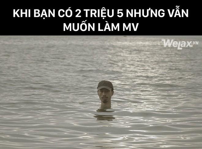"""Hé lộ cảnh """"chôn mình dưới cát"""" bị cắt trong MV mới, nhưng Đen Vâu khuyên fan đi biển tuyệt đối không nên làm theo vì lý do này - Ảnh 2."""