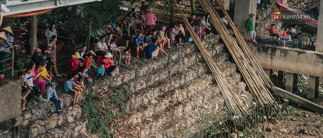 """""""Vui hết nấc"""" trong lễ hội Kỳ Yên ở An Giang: Người lớn trẻ nhỏ bôi lọ nghẹ khắp người, hóa thân thành... """"mọi"""" - Ảnh 10."""