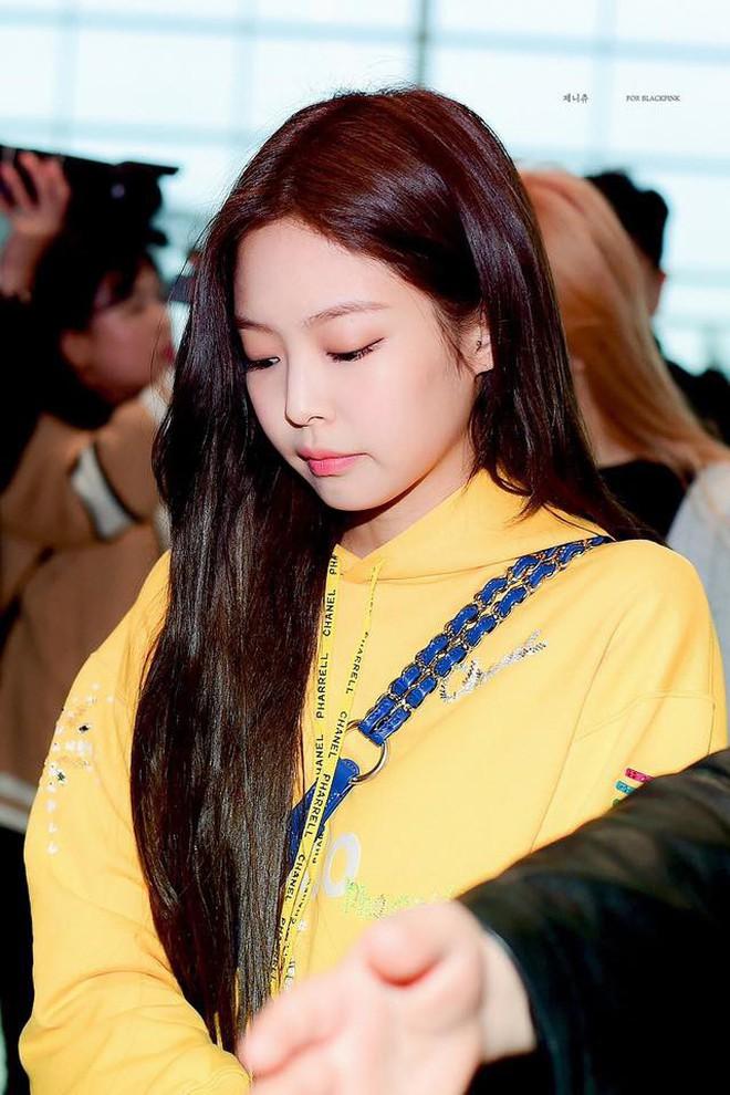 Đẳng cấp makeup tự nhiên của idol Hàn là khi tô vẽ mà như không với đường eyeliner siêu mỏng - Ảnh 2.