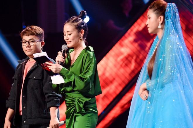 Giọng hát Việt: Bích Tuyết bất ngờ khoe khả năng hát tiếng Pháp, Bo Bắp chiến thắng nhưng vẫn bị giám khảo chê - Ảnh 8.