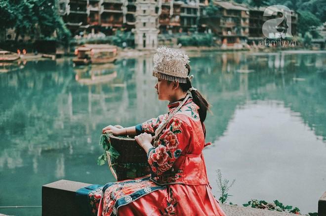 Kinh nghiệm du lịch Phượng Hoàng Cổ Trấn chỉ 13 triệu/người cho 9 ngày mà ở homestay đẹp, ăn uống tùy hứng - Ảnh 8.