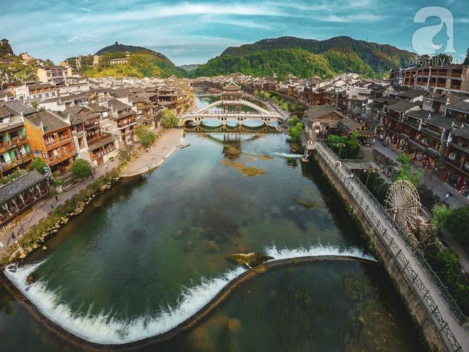 Kinh nghiệm du lịch Phượng Hoàng Cổ Trấn chỉ 13 triệu/người cho 9 ngày mà ở homestay đẹp, ăn uống tùy hứng - Ảnh 3.