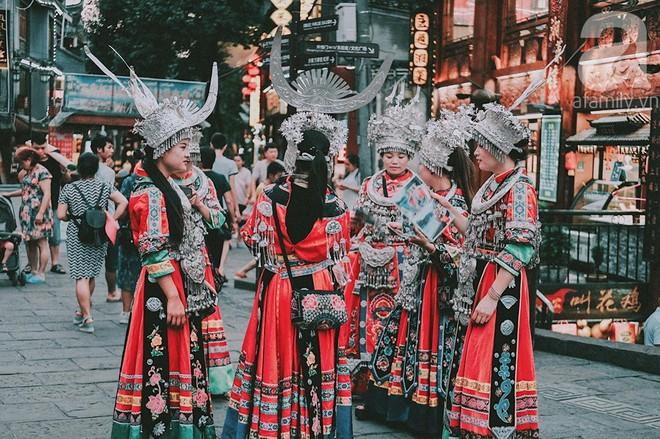 Kinh nghiệm du lịch Phượng Hoàng Cổ Trấn chỉ 13 triệu/người cho 9 ngày mà ở homestay đẹp, ăn uống tùy hứng - Ảnh 15.