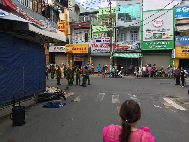 TP.HCM: Nam thanh niên đau đớn bò lê trên đường kêu cứu vì bạn gái bất tỉnh sau tai nạn - Ảnh 2.
