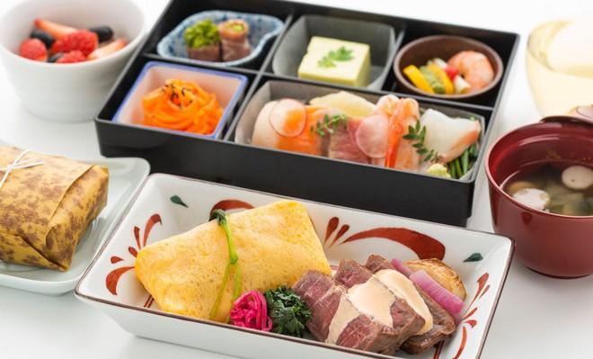 Hãng hàng không phục vụ bữa ăn Michelin cho hành khách, nhưng chỉ giới hạn cho trẻ em - Ảnh 1.