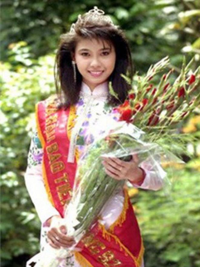 Đỉnh cao nhan sắc dàn Hoa hậu U40, U50 của Vbiz: Đăng quang cả thập kỷ vẫn đẹp đến ngỡ ngàng! - Ảnh 1.