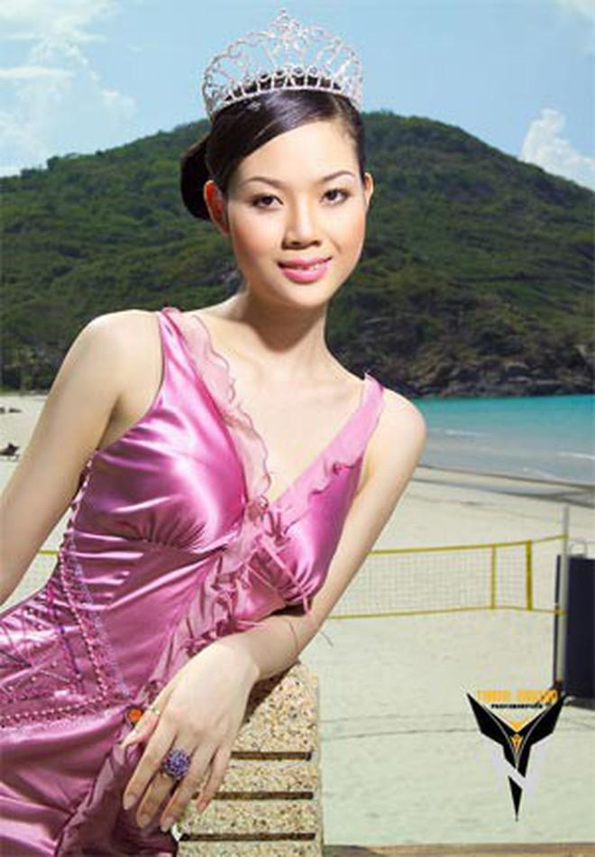 Đỉnh cao nhan sắc dàn Hoa hậu U40, U50 của Vbiz: Đăng quang cả thập kỷ vẫn đẹp đến ngỡ ngàng! - Ảnh 12.