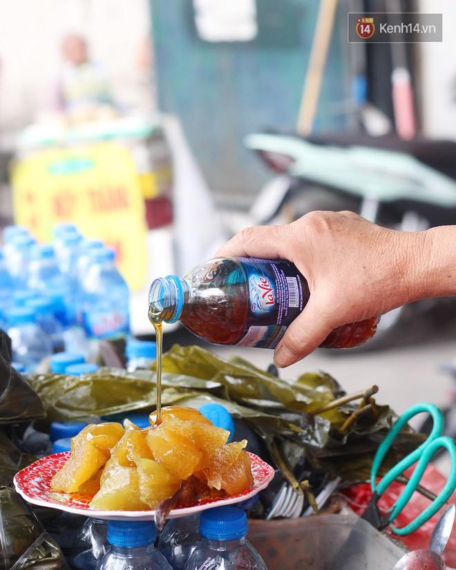 Cùng là bánh cho Tết Đoan Ngọ mà giữa Hà Nội và Sài Gòn đã khác nhau thế này - Ảnh 2.