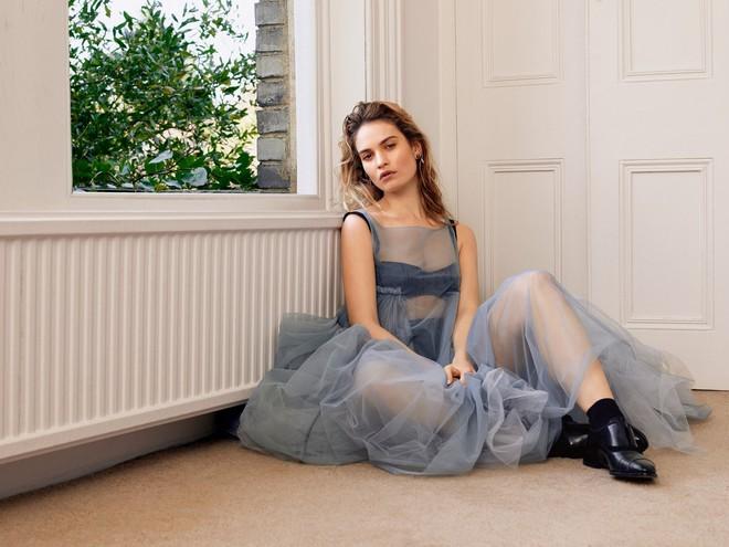 Nhan sắc 4 nàng công chúa Disney trong phim và đời thực: Emma Watson gây thất vọng giữa dà ngọc quý đẹp lạ - Ảnh 8.