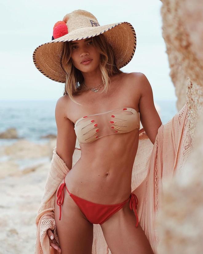 4 mẫu bikini gây tranh cãi nhất hè 2019: bộ nào cũng hở bạo liệt nhưng gây đỏ mặt nhất là thiết kế bàn tay ôm trọn núi đôi - Ảnh 1.