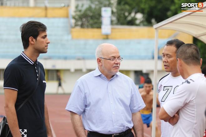 Hà Nội FC chiêu mộ tân binh hơn 10 tỷ đồng: Đẹp trai, thi đấu đa năng và đặc biệt thu hút bởi ánh mắt buồn - Ảnh 2.