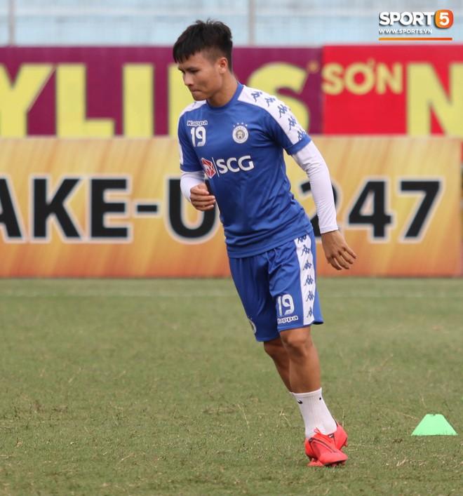 Hà Nội FC cười đùa vui vẻ trước cuộc đọ sức với đội bóng cuối bảng V.League 2019 - Ảnh 8.