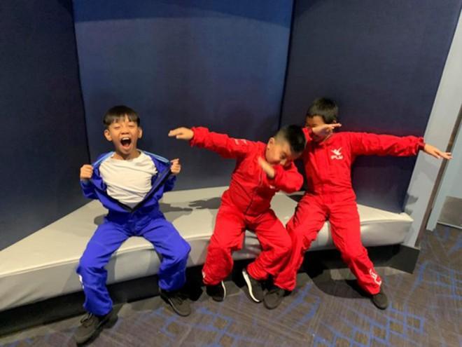 """Kỳ nghỉ hè xa hoa của các nhóc tỳ nhà sao Việt: Du lịch nước ngoài sang chảnh, khám phá đủ mọi trò chơi đúng chuẩn """"rich kid"""" - Ảnh 4."""
