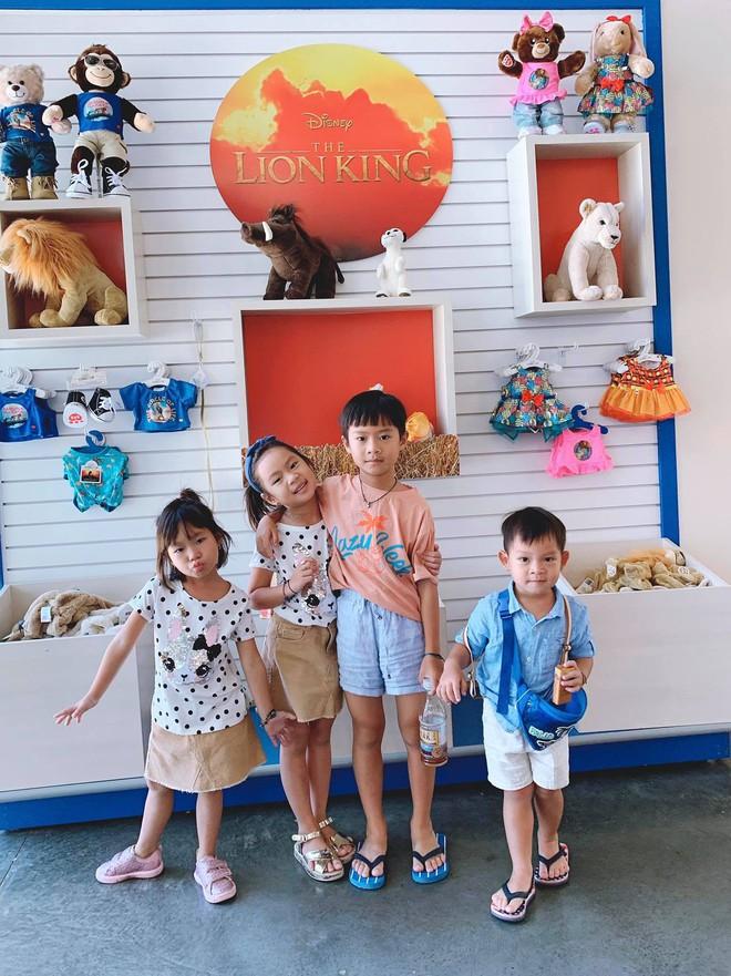 """Kỳ nghỉ hè xa hoa của các nhóc tỳ nhà sao Việt: Du lịch nước ngoài sang chảnh, khám phá đủ mọi trò chơi đúng chuẩn """"rich kid"""" - Ảnh 6."""