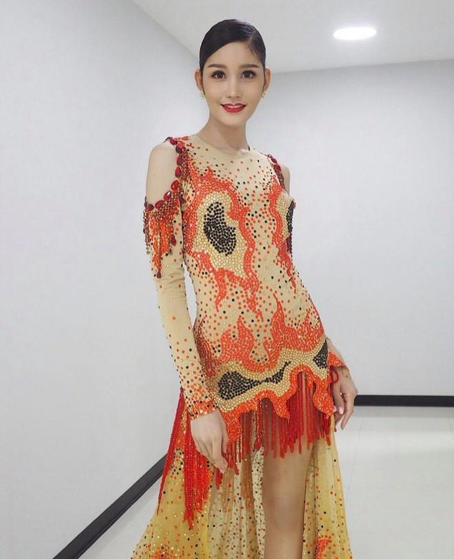 Mỹ nhân vừa đăng quang Hoa hậu Chuyển giới Thái: Cao 1m74, body nóng bỏng chẳng kém gì siêu mẫu - Ảnh 9.