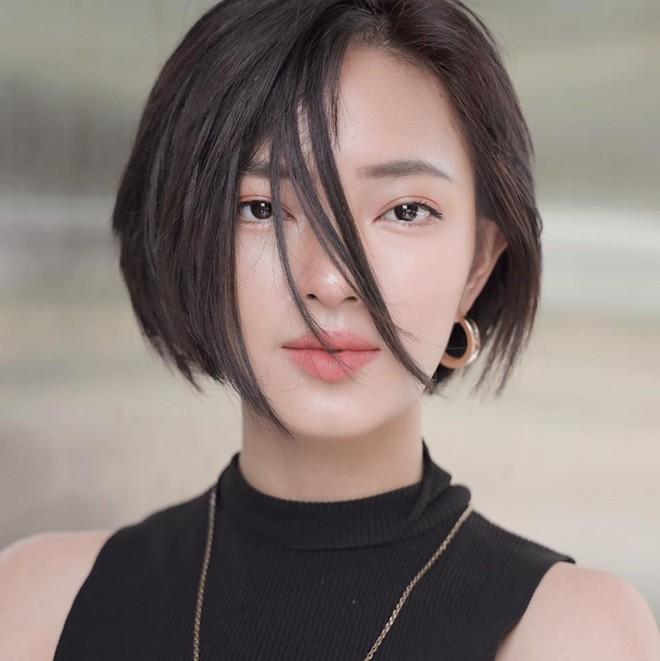 """Châu Bùi đổi kiểu tóc còn nhanh hơn thời tiết Hà Nội """"trở mặt"""", nhưng hơi tiếc vì tóc mới không đỉnh bằng tóc cũ - Ảnh 1."""