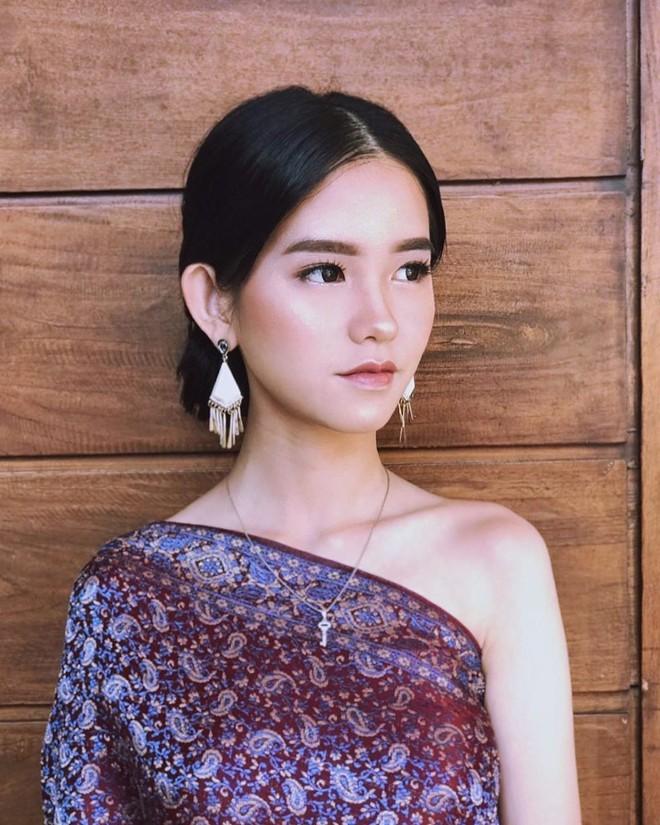 22 tuổi đã ngồi vào ghế thẩm phán lại xinh đẹp vô cùng, nữ sinh được dân mạng hỏi xin info không ngớt - Ảnh 4.