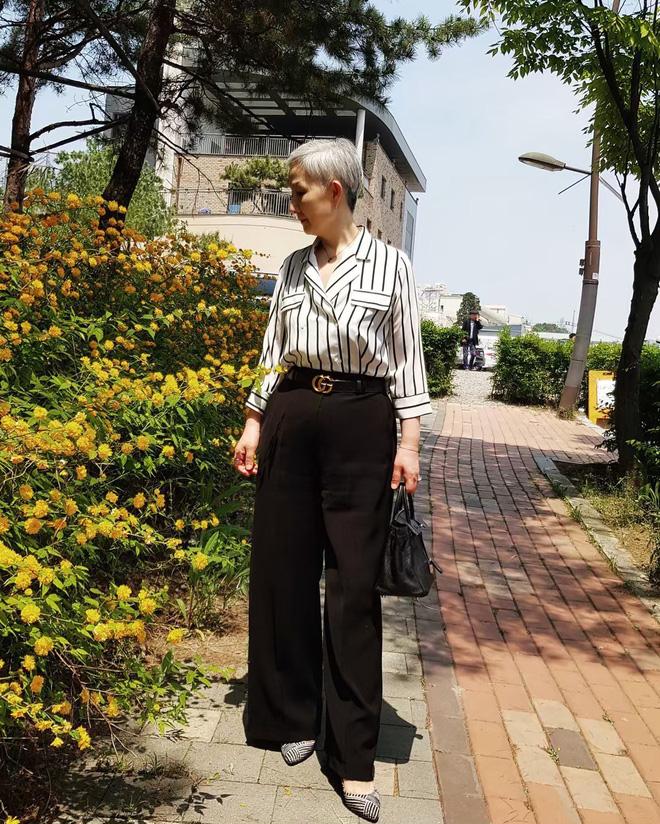 """Đầu đã bạc nhưng không thích mặc kiểu người già, cụ bà Hàn Quốc khiến giới trẻ """"chạy dài"""" hàng kilomet vì style cực chất - Ảnh 4."""