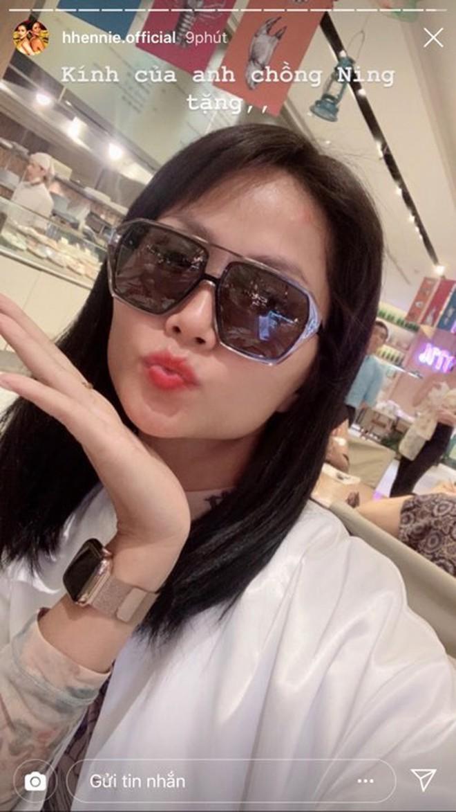 """""""Fan cứng"""" H'Hen Niê quyết không bỏ quên show của Sơn Tùng M-TP dù đang làm phụ dâu cho Hoa hậu Hoàn Vũ Thái Lan - Ảnh 3."""