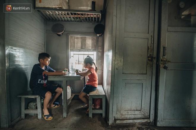 8 giờ trên chuyến tàu kỳ lạ nhất Việt Nam: Rời ga mà không có một hành khách nào - Ảnh 22.