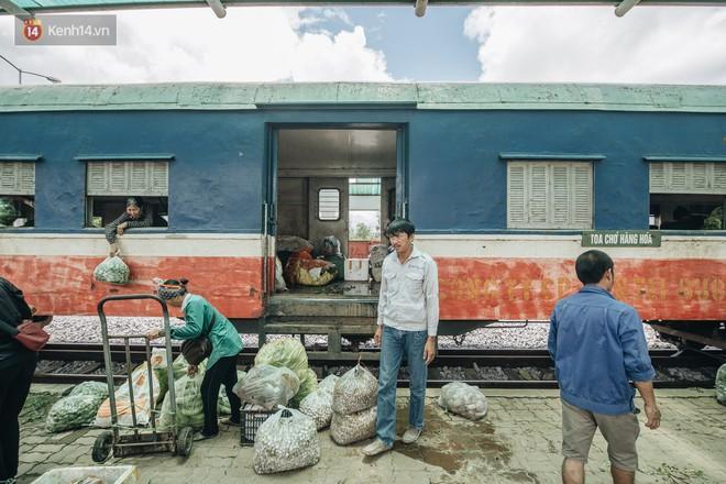 8 giờ trên chuyến tàu kỳ lạ nhất Việt Nam: Rời ga mà không có một hành khách nào - Ảnh 27.