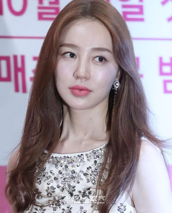 """Dàn diễn viên """"Hoàng cung"""" sau 13 năm: 2 nam chính dính bê bối chất cấm, lừa bạn gái, Song Ji Hyo lấn át cả nữ chính - Ảnh 4."""