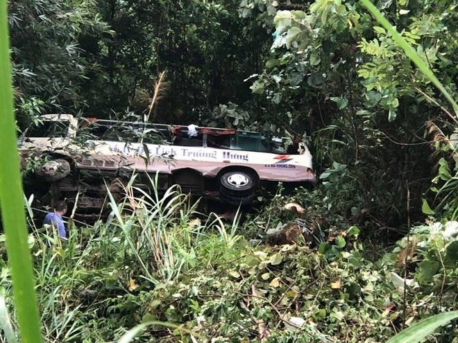 Danh tính 21 nạn nhân trong vụ xe khách lao xuống vực ở Quảng Ninh - Ảnh 1.