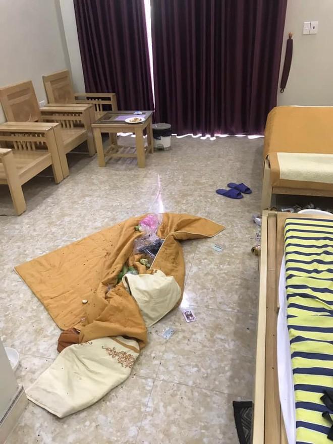 Kinh hoàng những pha du khách ở cực bẩn trong khách sạn và homestay: Rác ngập kín lối, chó phóng uế cả... trên giường - Ảnh 11.
