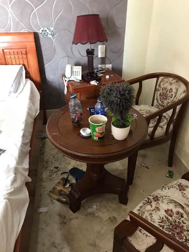 Kinh hoàng những pha du khách ở cực bẩn trong khách sạn và homestay: Rác ngập kín lối, chó phóng uế cả... trên giường - Ảnh 1.