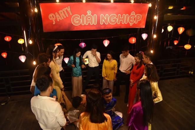 Để BB Trần nói mà nghe, đại hội giải nghiệp của Mị miền Tây là phải quẩy vũ điệu gãy tay của Sơn Tùng mới chuẩn - Ảnh 6.