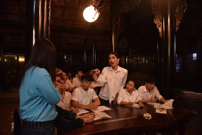 Để BB Trần nói mà nghe, đại hội giải nghiệp của Mị miền Tây là phải quẩy vũ điệu gãy tay của Sơn Tùng mới chuẩn - Ảnh 4.