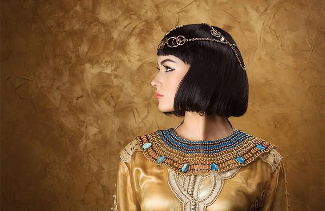 Cleopatra: Cuộc đời, sự nghiệp và cái chết của hậu duệ triều đại Ptolemaic.