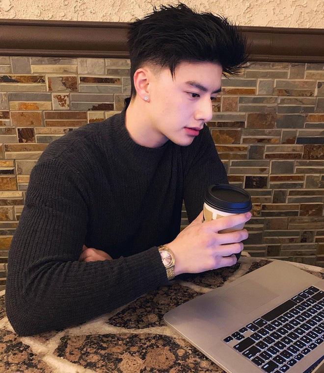 Hết gây sốt với diện mạo đẹp không thua tài tử, chàng trai gốc Việt khoe mẹ trẻ như thiếu nữ, ai nhìn cũng tưởng bạn gái con trai - Ảnh 5.