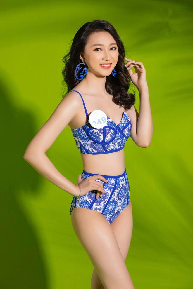 Mỹ nhân Miss World Việt lại khoe body bốc lửa trong bộ ảnh bikini thiêu đốt mùa hè: Ai có tiềm năng nhất? - Ảnh 2.