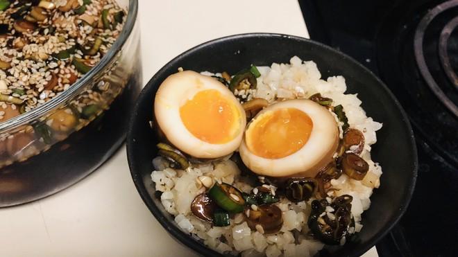 """Lạ kỳ món trứng gây nghiện đến mức có cái tên là trứng """"thuốc phiện"""" ở Hàn Quốc - Ảnh 2."""