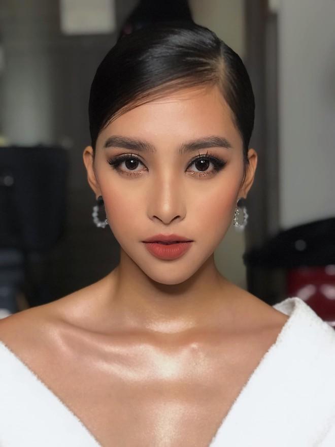 Màn họa mặt xuất sắc nhất từ trước đến nay của Hoa hậu Tiểu Vy: đẹp mê hồn, quyến rũ chẳng hề kém cạnh sao ngoại nào - Ảnh 4.