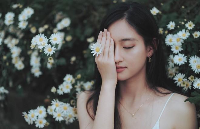 Nữ sinh Ngoại thương là ứng viên nặng ký của vương miện Hoa hậu thế giới Việt Nam 2019: IELTS 7.5, học sinh đội tuyển HSG Quốc gia Toán - Ảnh 10.