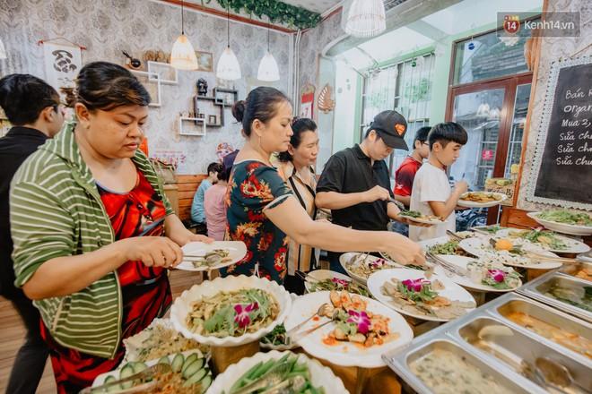 Quán chay từ thiện độc nhất vô nhị ở Sài Gòn: ăn tuỳ bụng trả tiền… tuỳ tâm - Ảnh 8.