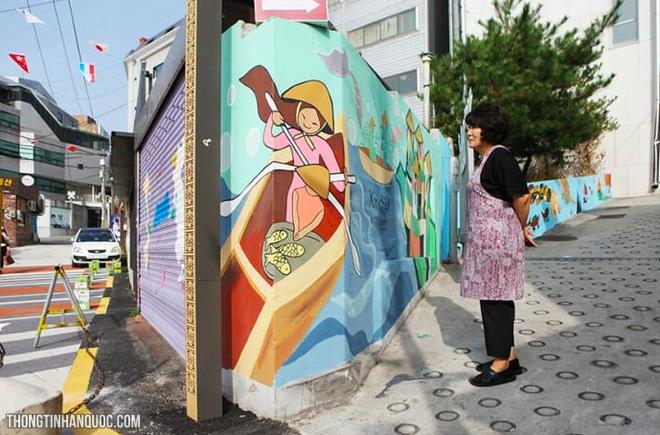 Giữa lòng thủ đô Seoul (Hàn Quốc) có một con phố mang tên Việt Nam Quy Nhơn, ở ngay gần Cộng Cà phê - Ảnh 4.