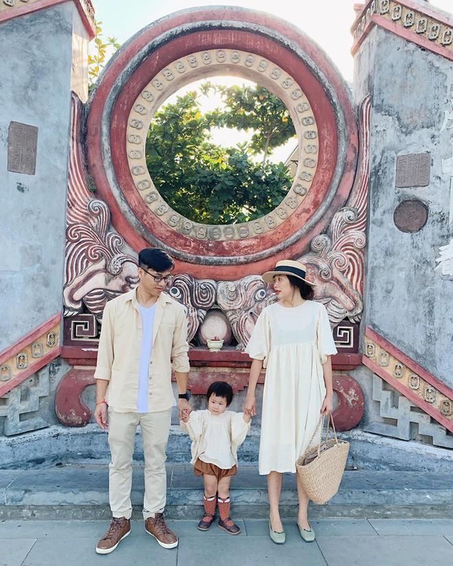 Muốn có con mà sợ vướng chân không đi du lịch được, xem ngay bộ ảnh của gia đình trẻ này để trấn an tinh thần nè! - Ảnh 3.