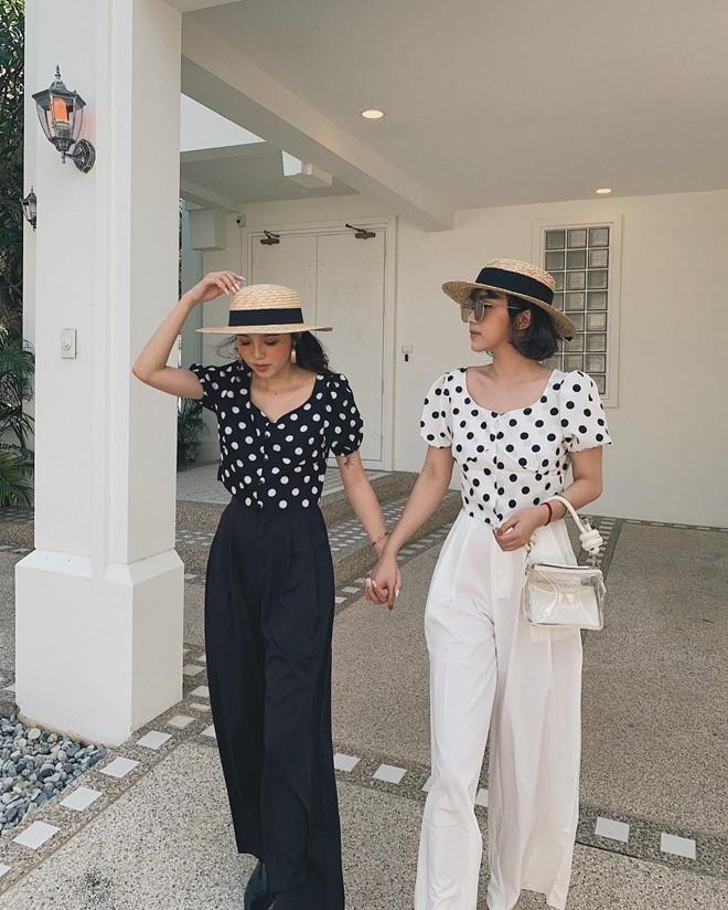 Rõ ràng không phải ruột thịt, các hot girl này trông lại như chị em sinh đôi, nhất là Tú Hảo - Châu Bùi - Ảnh 9.
