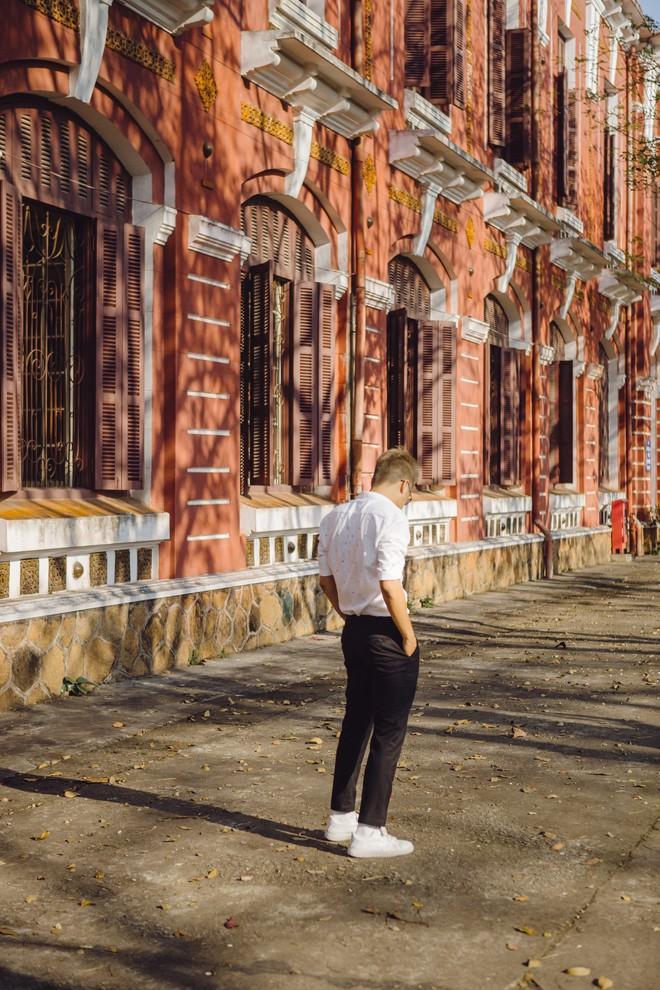 """Hội bạn thân nhà người ta: mỗi năm chỉ gặp nhau 1 lần, sau 17 năm cho ra đời bộ ảnh ở Huế vừa thơ vừa """"lạ"""" trông như chụp ở Hàn Quốc - Ảnh 11."""