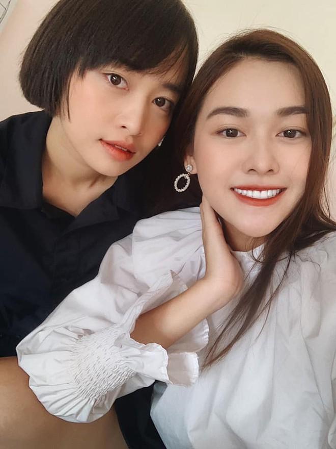 Á hậu Tường San hiếm hoi khoe ảnh cả gia đình nhưng cô chị gái vừa xinh đẹp vừa thần thái mới chiếm spotlight - Ảnh 3.