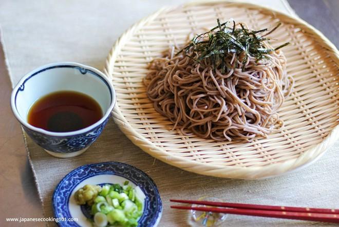 """Gần trăm năm trước, shipper Nhật đã giao mì Soba theo cách """"nổi da gà"""" chẳng khác gì làm xiếc - Ảnh 1."""
