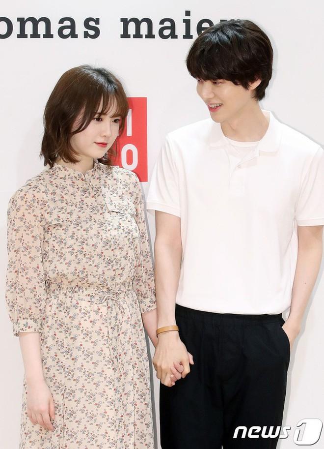 """Hành trình từ gã si tình đến """"thánh cosplay cuồng vợ"""" Ahn Jae Hyun: Ánh mắt mật ngọt hóa chê bai thô tục tựa khi nào! - Ảnh 6."""
