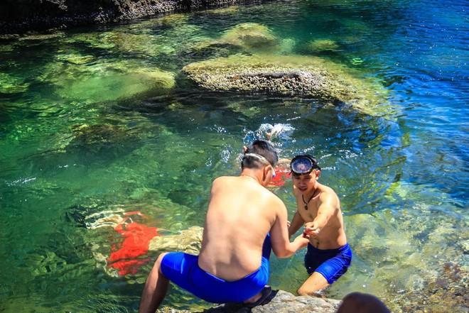 Đà Nẵng xuất hiện hồ bơi giữa biển đẹp y hệt nước ngoài, dân tình hớn hở rủ nhau đi sớm trước khi ai cũng biết chỗ này - Ảnh 16.