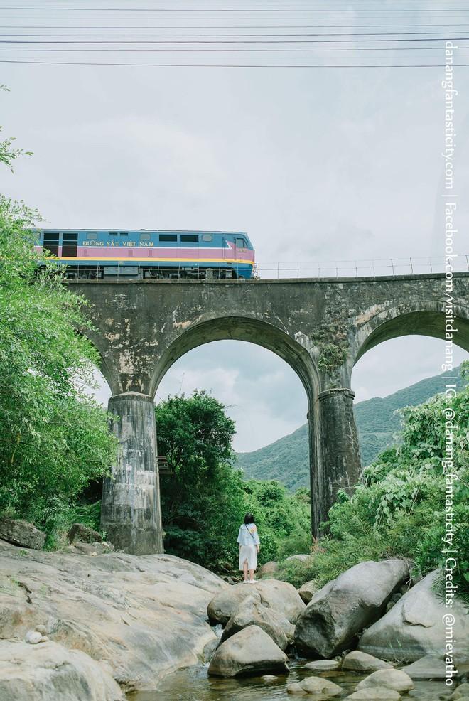 """Hot nhất Đà Nẵng hiện tại chính là """"cổng trời"""" mới toanh dưới chân đèo Hải Vân, nơi có đoàn tàu qua núi đẹp hệt trong phim - Ảnh 16."""