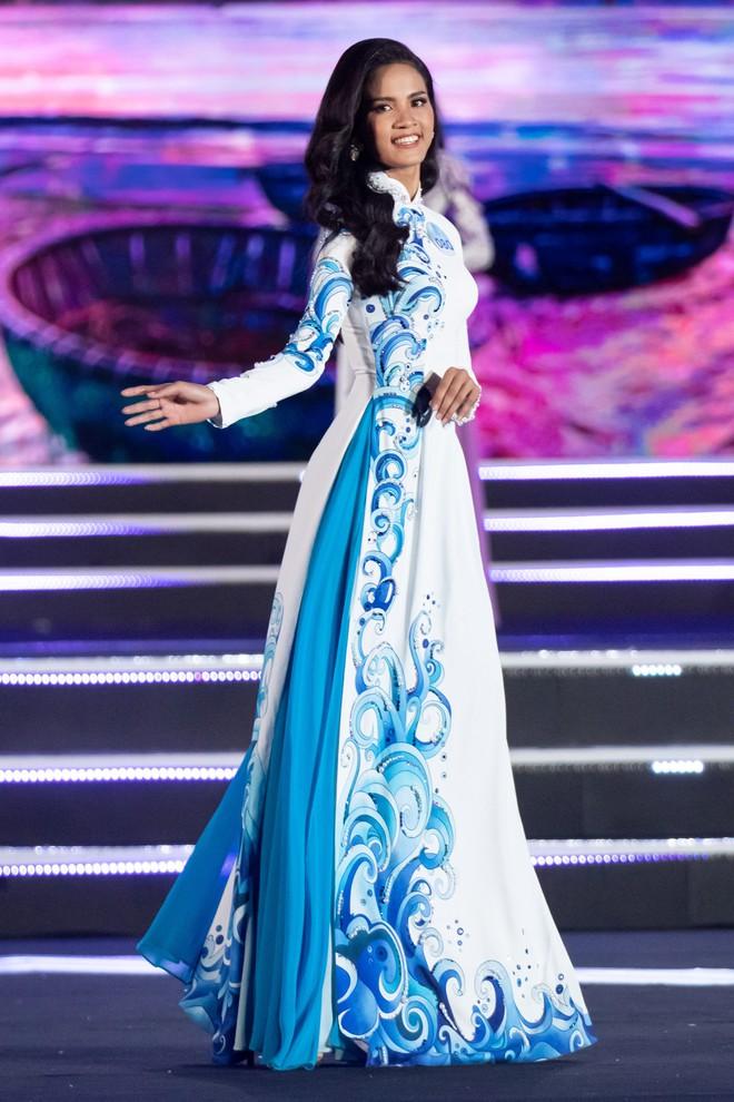 Chung kết Miss World Việt Nam 2019: Thí sinh nhan sắc vẹn toàn nhưng váy áo lại lắm lỡ làng - Ảnh 6.