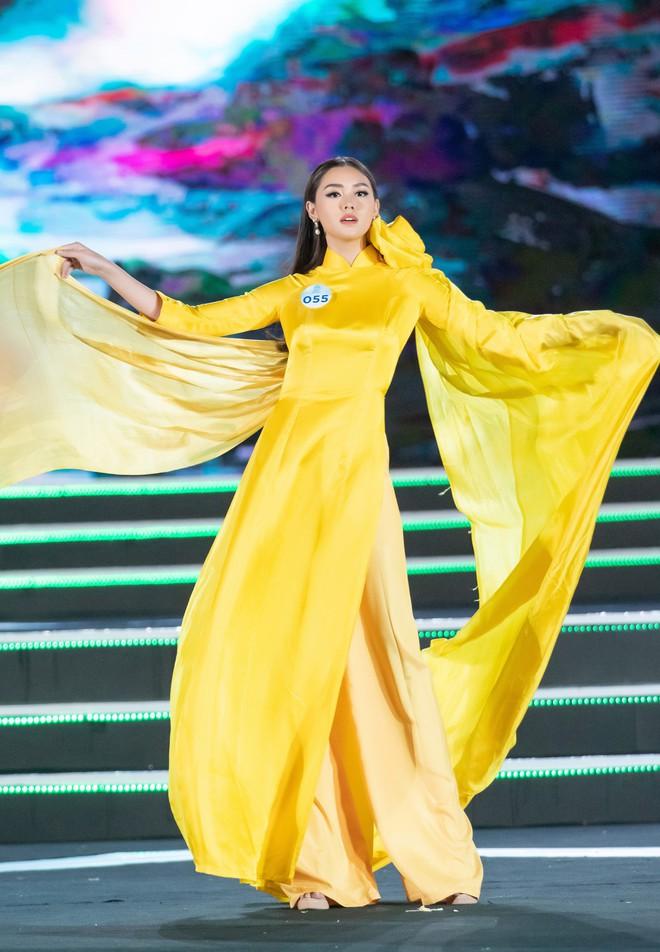 Chung kết Miss World Việt Nam 2019: Thí sinh nhan sắc vẹn toàn nhưng váy áo lại lắm lỡ làng - Ảnh 5.